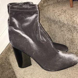 Size 11 velvet heeled boots